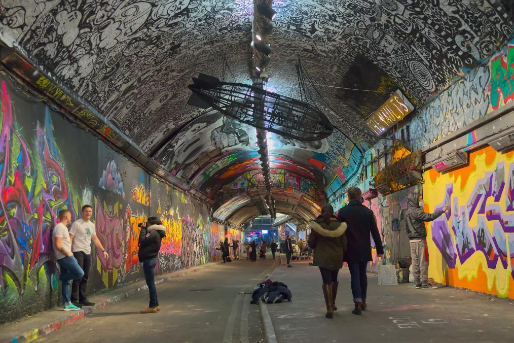 Walking through Graffiti